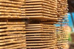 Штабелировано вверх по древесине стоковое изображение rf