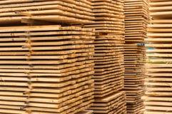 Штабелировано вверх по древесине стоковое фото rf