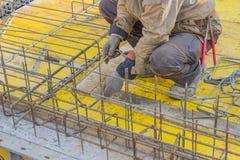 Штанги передачи с ускорением движения работника построителя стальные для конкретные 2 Стоковые Изображения RF