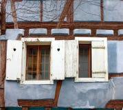 Штарка окна полу-timbered дома Стоковые Фото