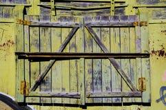 Штарка постаретая и grunge окна стоковое изображение rf