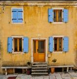 штарки голубой передней дома старые Стоковая Фотография RF