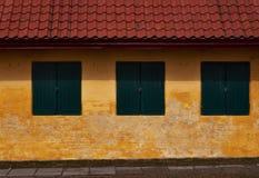 Штарки древесины в старом доме Стоковая Фотография