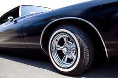 Штейновый черный лоурайдер Buick Riviera стоковые изображения rf