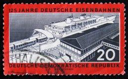 Штемпель почтового сбора ГДР Германии посвященный к годовщине 125 год железных дорог deutsche, около 1960 Стоковое Изображение