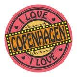 Штемпель цвета Grunge с влюбленностью Копенгагеном текста i бесплатная иллюстрация