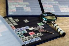 Штемпеля почтового сбора как хобби Стоковое Фото