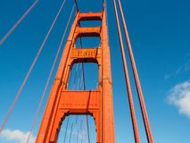 Штендер моста золотого строба в Сан-Франциско, Калифорнии стоковое фото rf