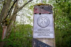 Штендер на бывшей внутренней немецкой границе Стоковая Фотография RF