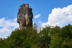 Штендер Katskhi, монастырь на столбце, Грузии стоковое фото rf