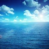 Штилевое голубое море   Стоковое Изображение