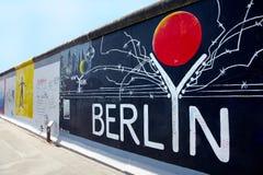 Штольн Ист-Сайд, надпись на стенах Берлин стоковые фотографии rf