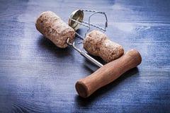 Штопор и пробочки с проводами шампанского Стоковое Изображение RF