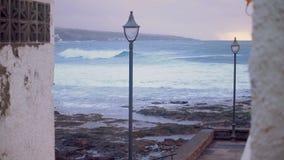 Штормовая погода на океане на заходе солнца Стоковое Фото