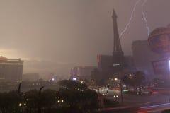 Шторм лета на Лас Вегас Боулевард в Лас-Вегас, NV 19-ого июля, Стоковые Фотографии RF