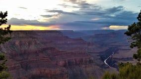 Шторм захода солнца в гранд-каньоне стоковое фото rf