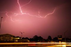 Шторм молнии над рынком Яблока в Kearney, Небраске стоковая фотография
