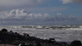 Шторм на Балтийском море акции видеоматериалы