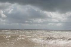 Шторм на море Азова стоковые изображения rf