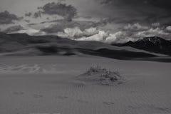Шторм приходя над горой Стоковое фото RF