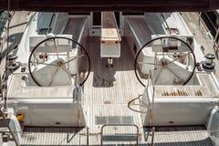 2 штурвала в современном yatch Стоковая Фотография RF