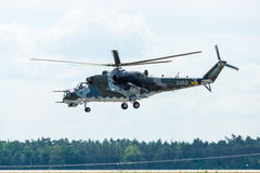 Штурмовой вертолет Mil Mi-24 задний Стоковое Изображение RF