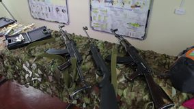 Штурмовые винтовки на таблице сток-видео