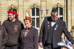 Штутгарт, Германия - 19-ое февраля 2018: Наслаждаться людей Shrove вторник во время сезона масленицы Стоковое Фото