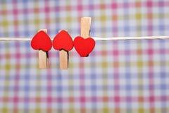 штыри одежд с малыми сердцами Стоковое Фото