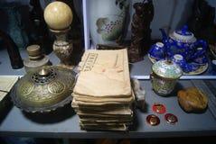 Шэньчжэнь, Китай: антикварный магазин стоковые изображения