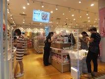 Шэньчжэнь, Китай: товары на дисплее в супермаркетах Стоковые Изображения RF