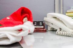 Шлем Дед Мороз стоковые изображения rf