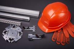 Шлем и крепежные детали конструкции Стоковые Фотографии RF