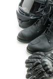 Шлем, перчатки и ботинки мотоцикла Стоковая Фотография RF