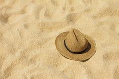 Шлем сторновки на пляже Стоковое Изображение