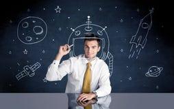 Шлем чертежа персоны продаж и ракета космоса Стоковые Изображения RF