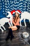 шлем santa девушки Стоковое Изображение