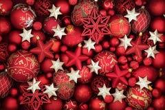 Шлем Santa Claus с шариками вала Стоковое Изображение RF