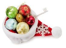 Шлем Santa Claus с шариками рождества Стоковое фото RF