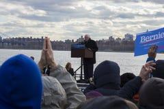 Шлифовальные приборы Bernie - ралли в Greenpoint, Бруклине 4/8/16 Стоковая Фотография