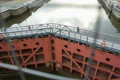 Шлюзные ворота на канале Москвы Стоковое фото RF