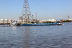 Шлюпка & баржа гужа на канале корабля Стоковая Фотография RF