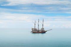 Шлюпка в море Стоковое Фото