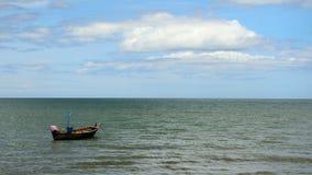 Шлюпка в море Стоковая Фотография