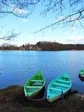 Шлюпка 2 в озере, Литве стоковое фото rf