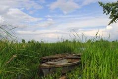 Шлюпка в реке Стоковое Изображение