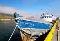 Шлюпка в Isafjordur Стоковые Изображения