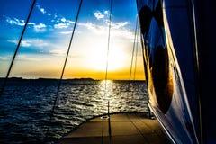 Шлюпка & заход солнца Pacha в Ibiza стоковая фотография rf
