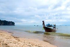 Шлюпка и море на Ao Nang стоковое фото rf