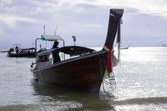 Шлюпка и море на Ao Nang стоковая фотография